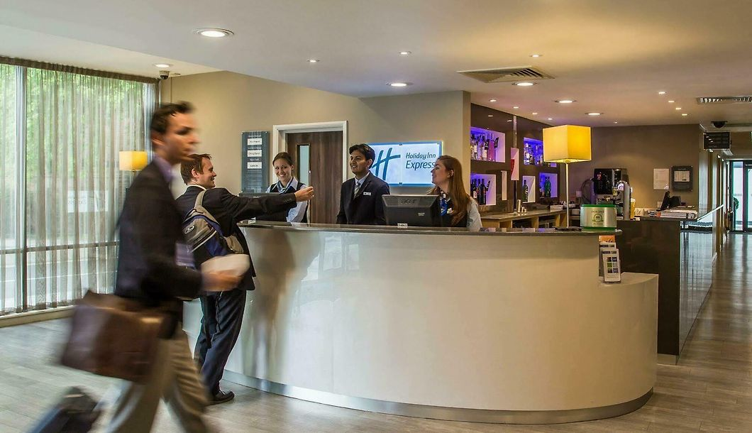Holiday Inn Express Earls Court London Low Rates No Hidden Fees